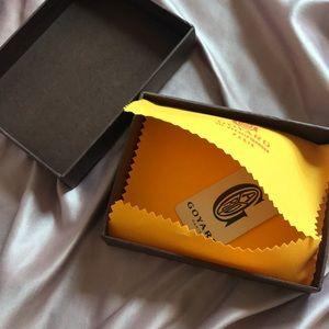 Small Goyard gift box